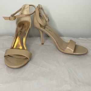"""MADDEN GIRL nude patent ankle strap 4"""" heels 10"""